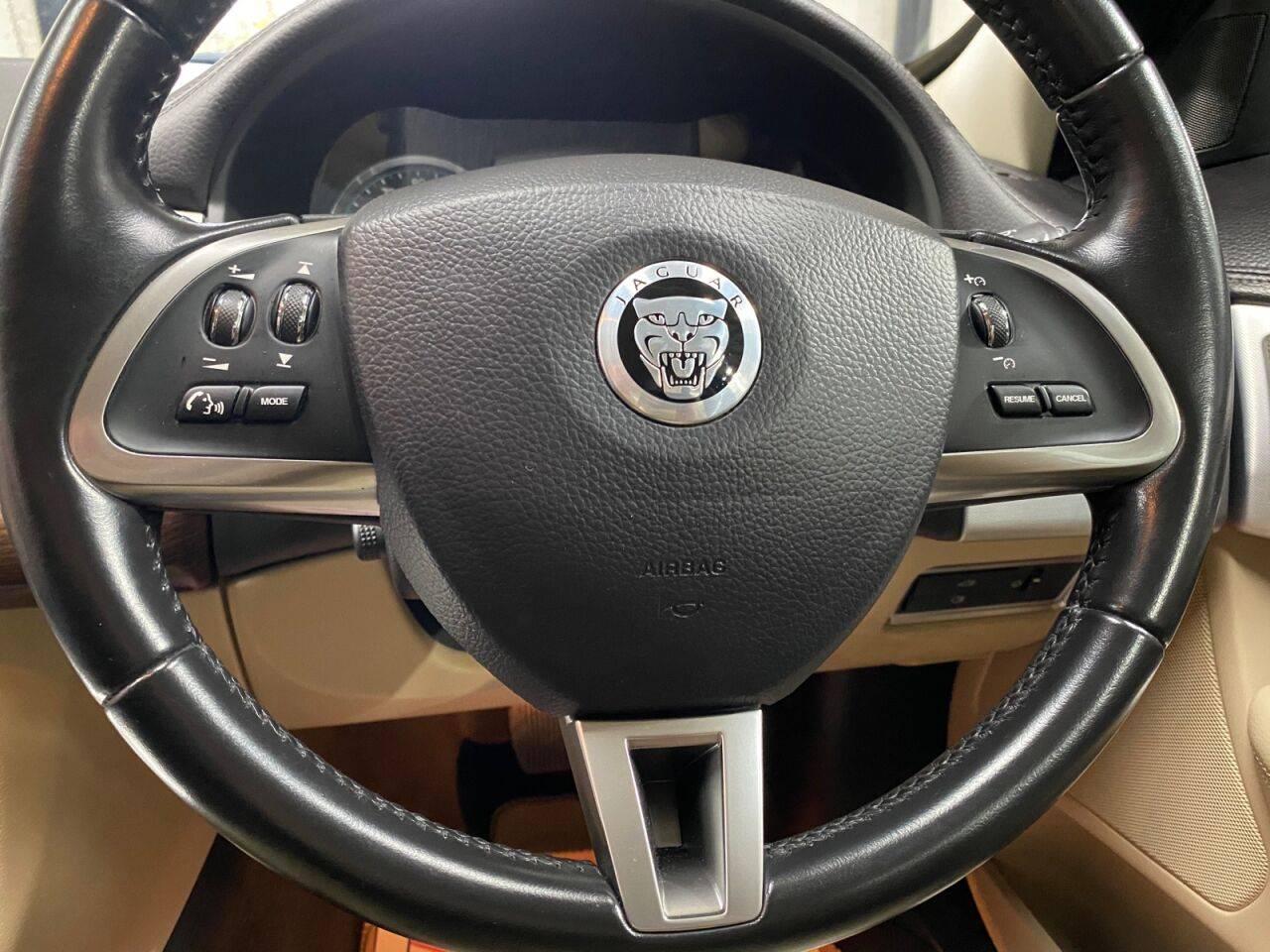 JAGUAR XF LUXURY V6 AUTO